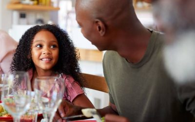 5 things your kids want to hear from you at dinner time
